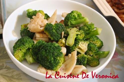 La Cuisine De Veronica 蝦醬西蘭花炒鮮魷
