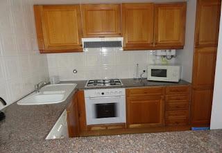Nazaré - Alugo apartamento T2 - cozinha