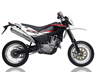 2012 Husqvarna SMR630 Motorcycle Photos 1