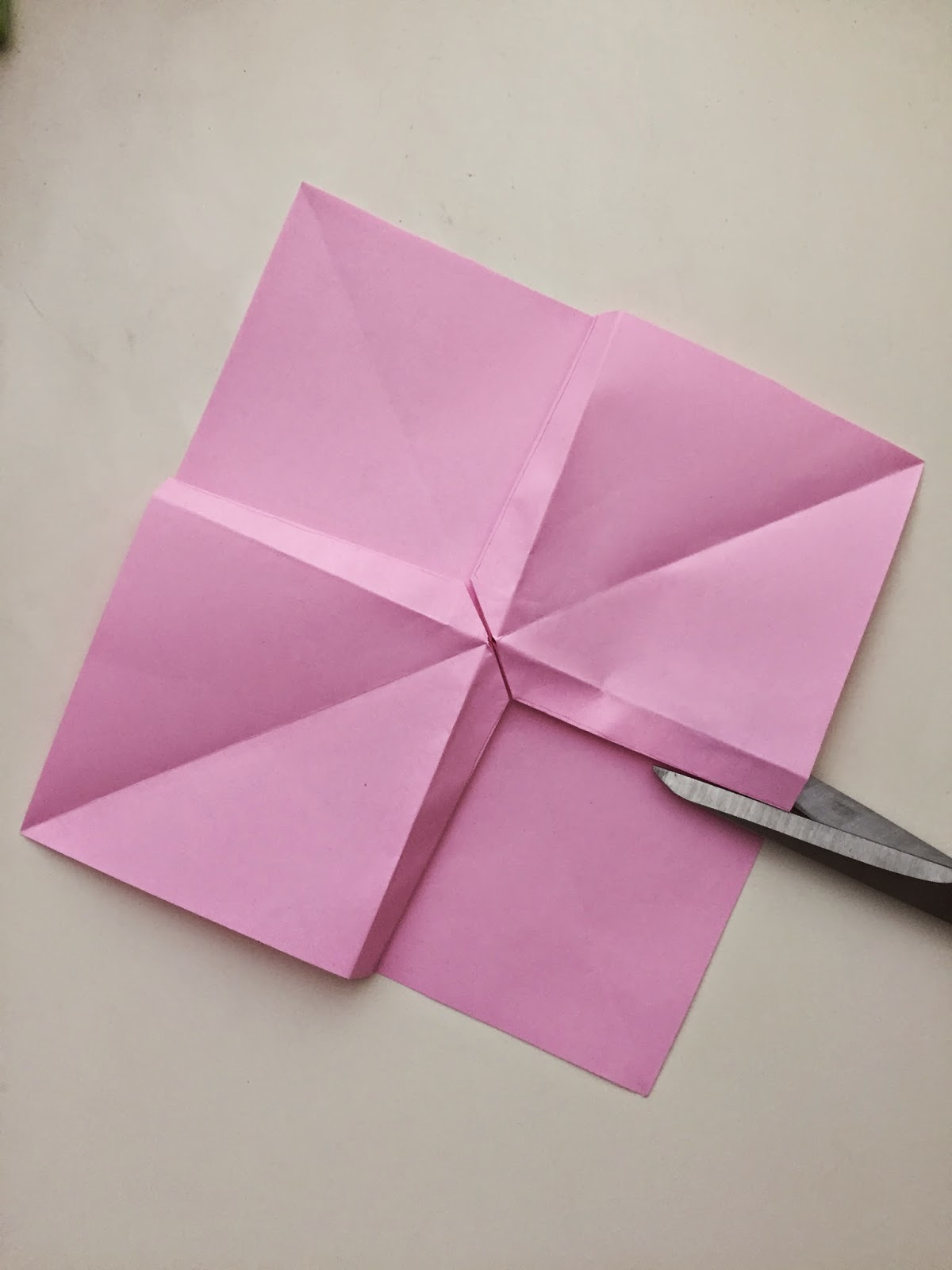 Fun Activities for Your Teenage Girl - DIY Paper Bows