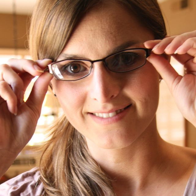 cute girl glasses wallpaper - photo #9