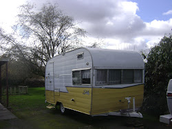 64 yellow shasta 15ft with bathroom