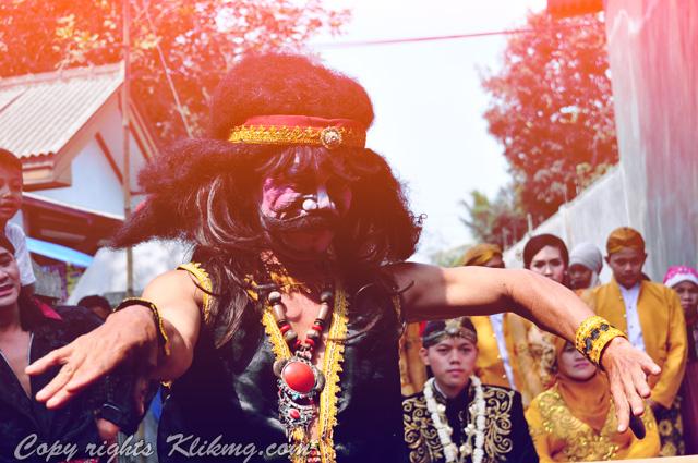 Acara adat begalan Saat pernikahan | fotografer klikmg4