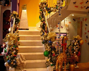 Decorating your home for christmas art and home designs for Christmas home design
