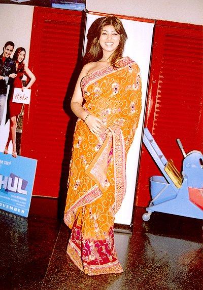 Fun Maza New: Cute and HoT Anti in Beautiful Dress Photos