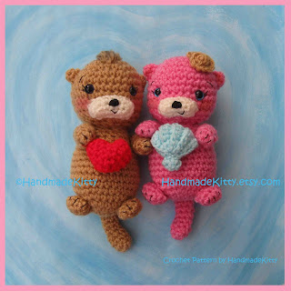 Amigurumi Free Pattern Couple : HandmadeKitty: Otter Couple Floating in Love Amigurumi ...