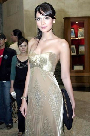 Artis Indonesia Photo Sexy on Sharing Foto Artis Indonesia  Luna Maya 2