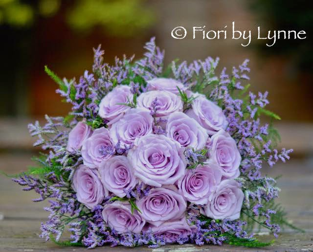 Wedding flowers blog olivia 39 s lilac wedding flowers rhinefield house - Bouquet de rose artificielle ...
