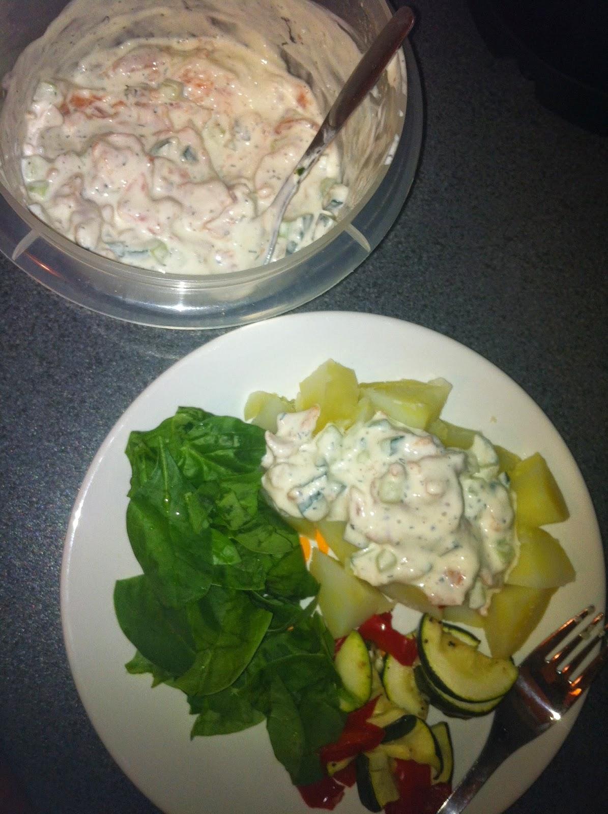 lohi, salmon, kirjolohifilee, tilli, kermaviili, food, kermaviilikastike, sourcream