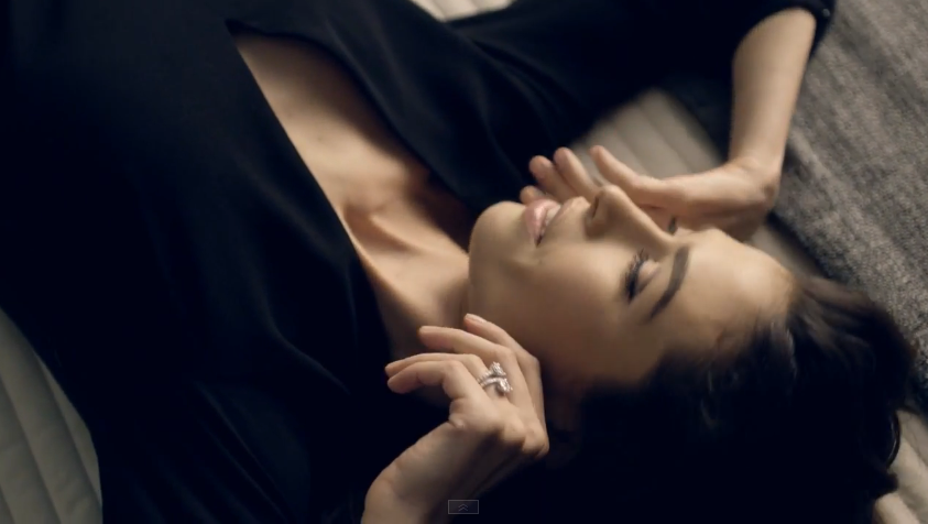 Immagini, foto modella pubblicità Stroili Oro 2015