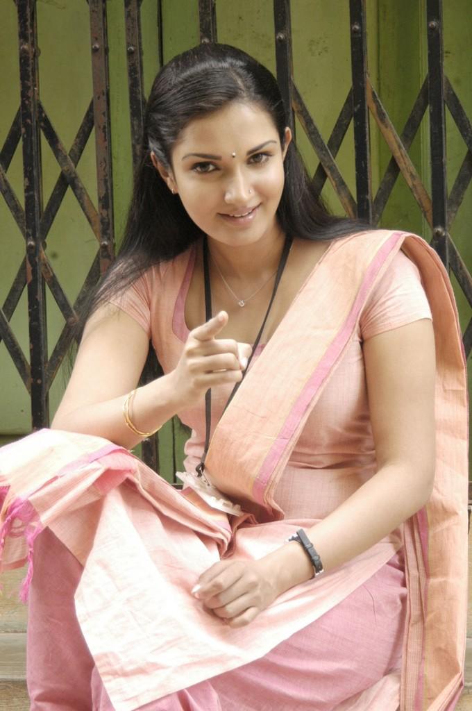 http://1.bp.blogspot.com/-mf95_4_sldU/Tg1NvGWx8lI/AAAAAAAAbck/eU9-MybA46Y/s1600/tamil+actress+honey+rose+hot+2.jpg