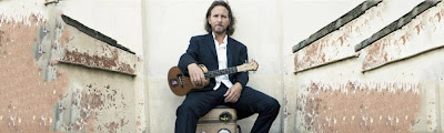 eddie vedder with ukulele