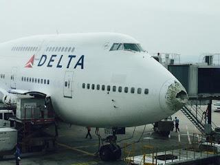 delta_b744_n664us_china_150617_2.jpg