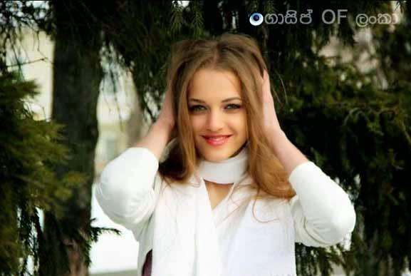 Nineteen year old Russian model Liana Klevtsova bares all on freezing Russian streets against Putin