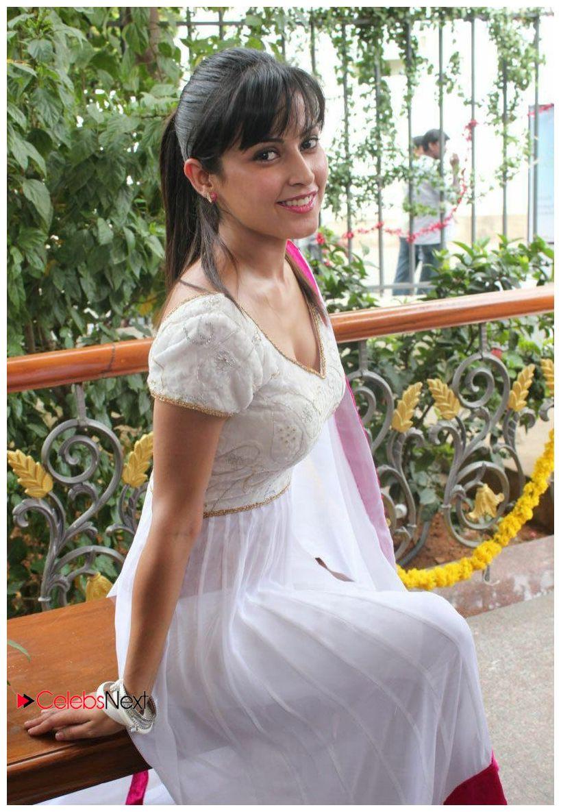 Disha Pandey Photos Salwar Kameez At Manathai Mayakkam Seithai Movie Launch Celebsnext Patani Hot Wallpapers Stills