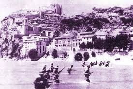 Tropas de Líster cruzando el Ebro
