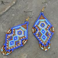 Серьги из бисера мозаичное плетение синий голубой коричневый