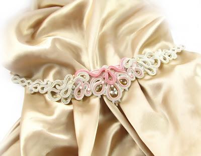 komplet ślubny, biżuteria do ślubu, pas biżuteryjny, aplikacja na suknię ślubną, ozdoba sukni ślubnej, kolczyki ślubne, sutasz, sutaszowe, swarovski, PiLLow Design, Małgorzata Sowa