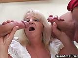 Amigos Comendo a Mãe