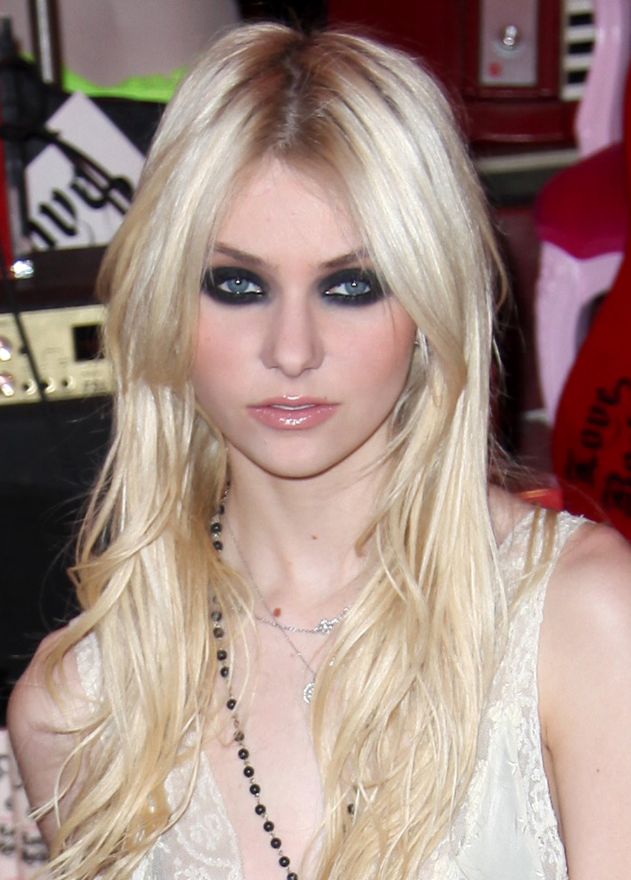 Models Wallpapers Picture Taylor Momsen Imdb