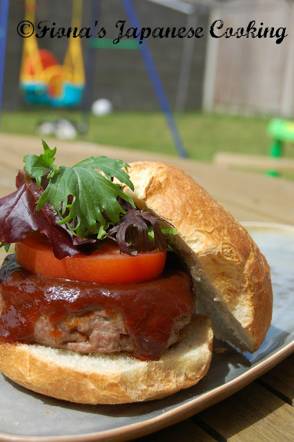 Fiona's Japanese Cooking: JAPANESE STYLE BURGER RECIPE