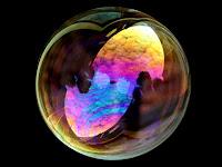 gelembung sabun, indahnya gelembung sabun, kenapa gelembung sabun berbentuk bulat, kenapa gelembung sabun bentuknya selalu bulat