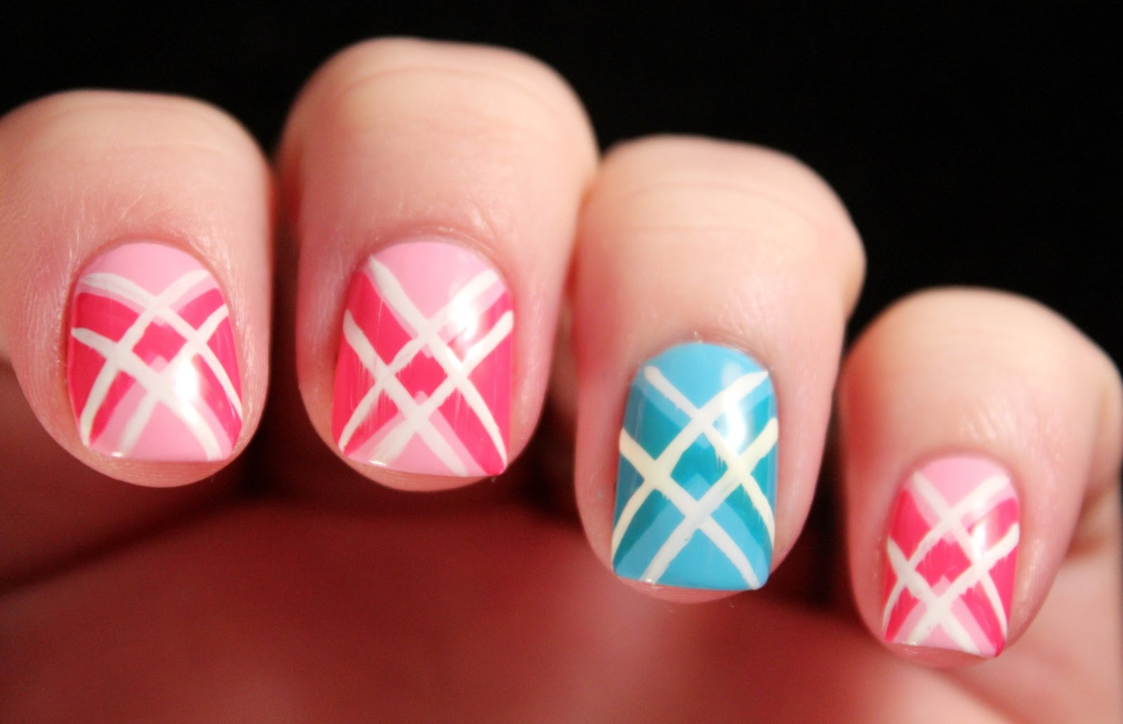 Glimpses of the Moon: Tuesday Tutorial: Argyle Nails