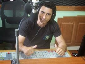 Joabe Reis No estúdio da Rádio Regional FM, 91.3, de Uruará-Pa,