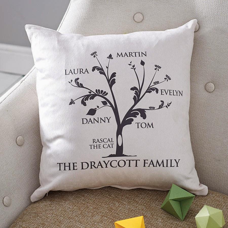 Cojín personalizado con el árbol genealógico familiar