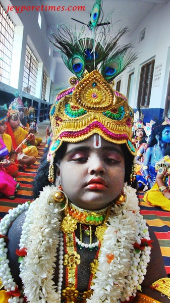 Krishna In Fancy Dress http://www.jeyporetimes.com/2011/08/colourful-janmasthami-celebrations-in.html