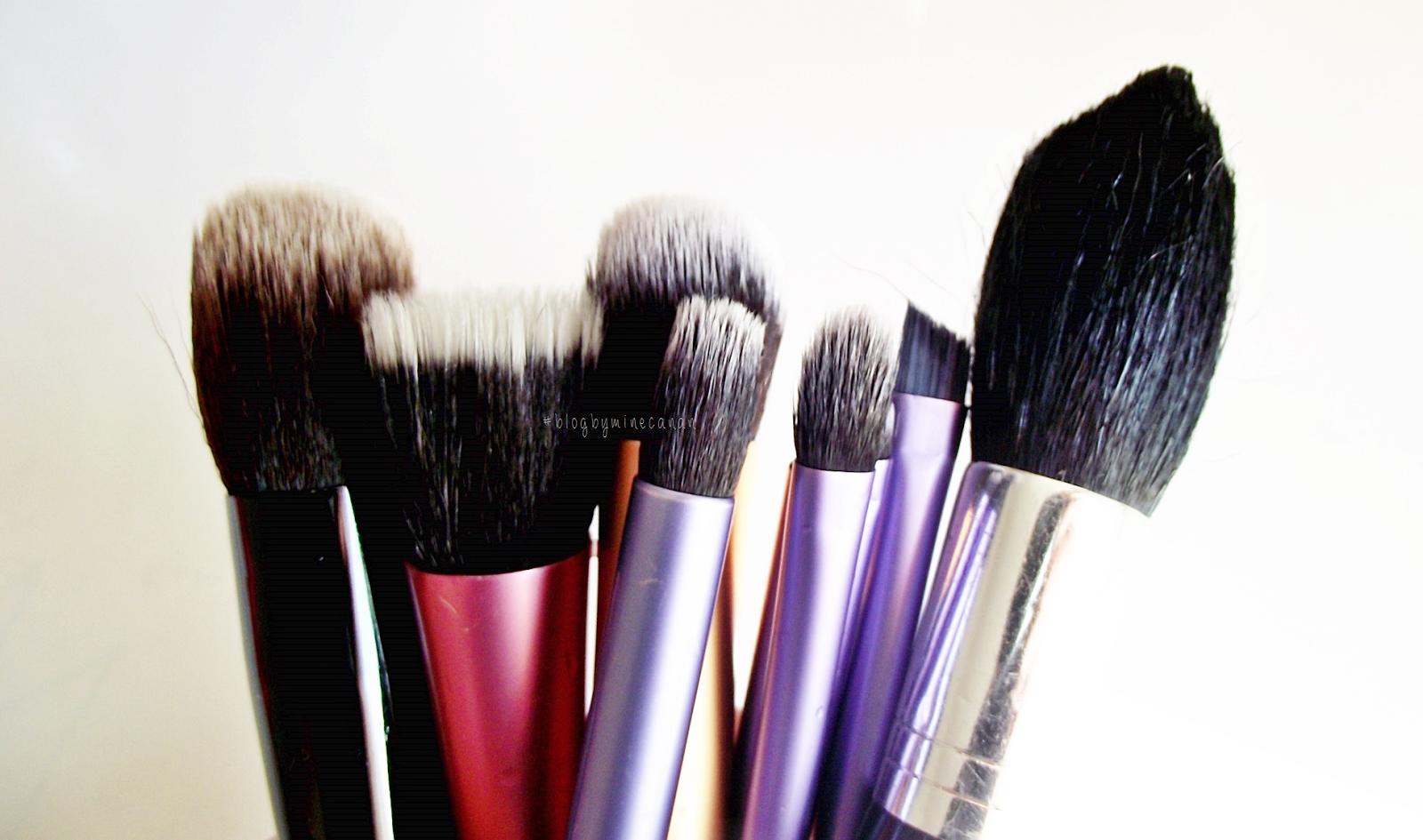 Makyaj Fırçası Nasıl Temizlenir
