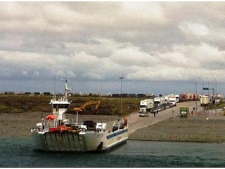 10 km de fila para cruzar Bahia Azul