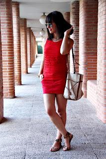 http://1.bp.blogspot.com/-mhtUAPctfKA/UBo__zuhLGI/AAAAAAAAFPE/Ptm9dZ8wX1c/s1600/ohmyblog+all+red+total+look+2+o.jpg