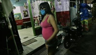Wanita Hamil Tujuh Bulan Ini Dipaksa Jadi PSK