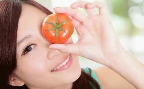 Makser Tomat Kecilkan Pori Pori Wajah