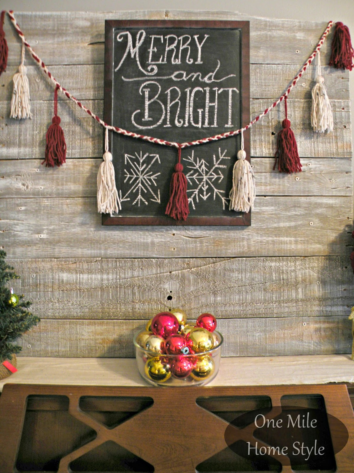 Merry & Bright Christmas Chalkboard and DIY Yarn Tassel Garland