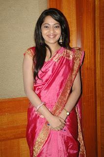 Vijay TV anchor ramya spicy photos in saree