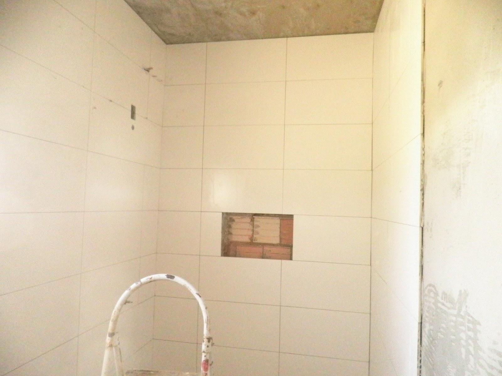 REFORMANDO A DISTANCIA: Revestimentos da Área de Lazer. #937538 1600x1200 Banheiro Com Porcelanato Via Rosa