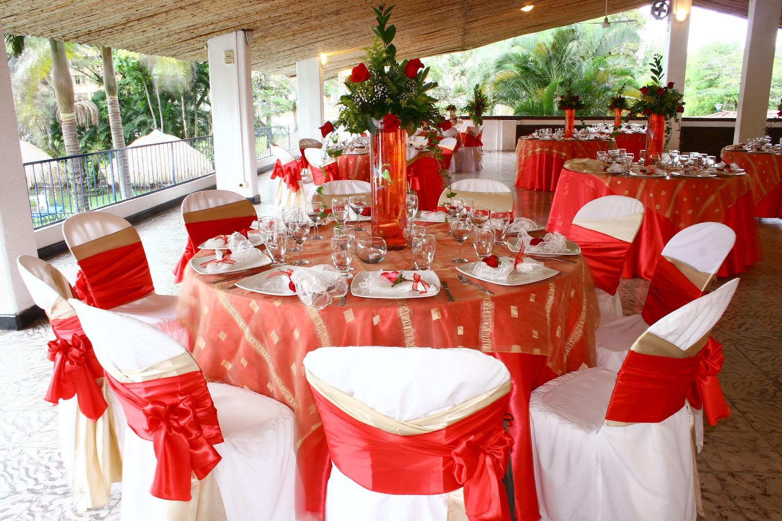 Renta de mesas y sillas para fiestas y eventos en los for Alquiler mesas sillas