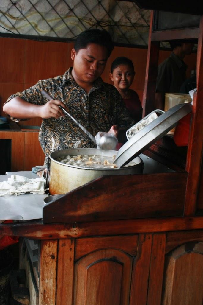 13 Rekomendasi Tempat Kuliner Bakso Paling Enak Di Jakarta - Bakso Gallant Super