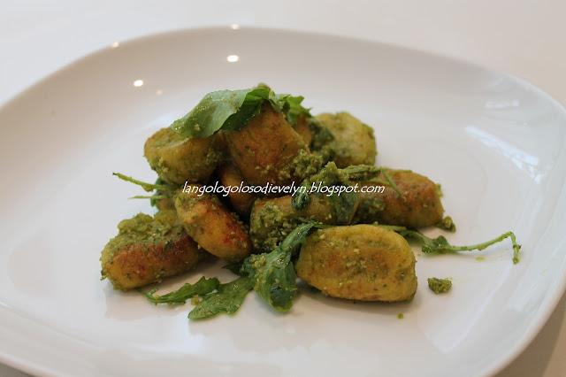 gnocchi di mascarpone con pesto di basilico [fast, fresh and easy food- lorraine pascale]