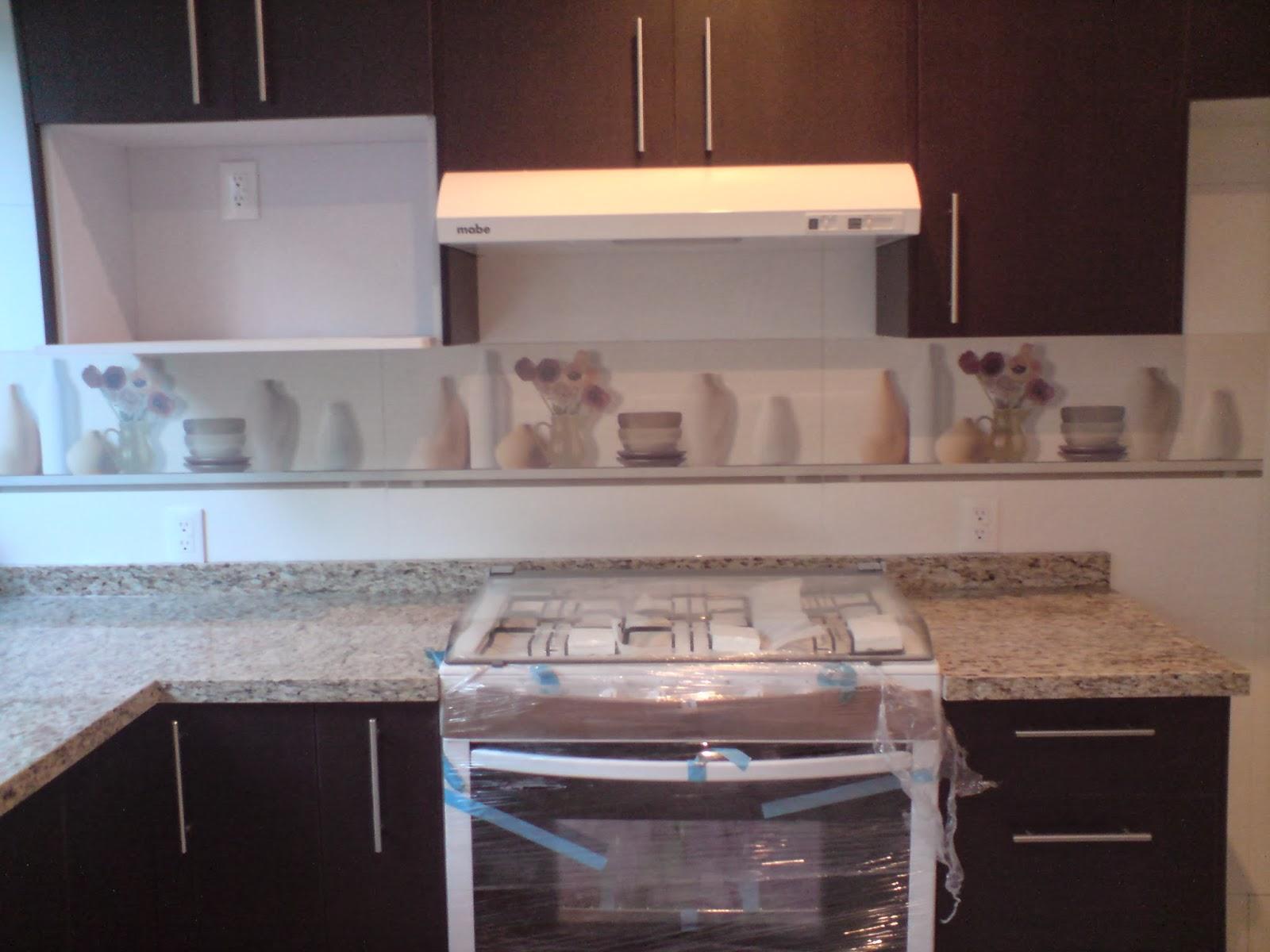 Dise o en cocinas integrales galeria cocinas materiales for Granito natural para cocinas