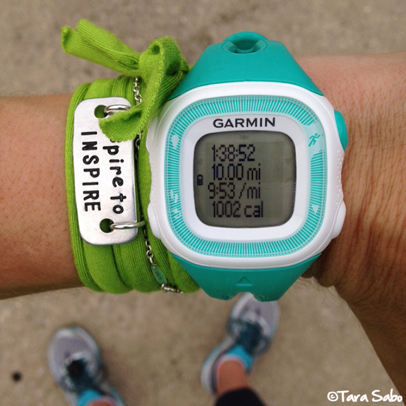 arm candy, momentum jewelry, running, runchat, mizuno wave enigma 5