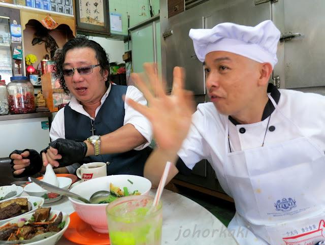 Hainanese-Curry-Rice-Muar-Johor