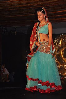 Tapsee Pannu without Makeup and with Makeup at Cloud 9 Fashion Show