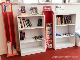 Australia trip - Sydney - Sydney Harbor YHA - Book Exchange