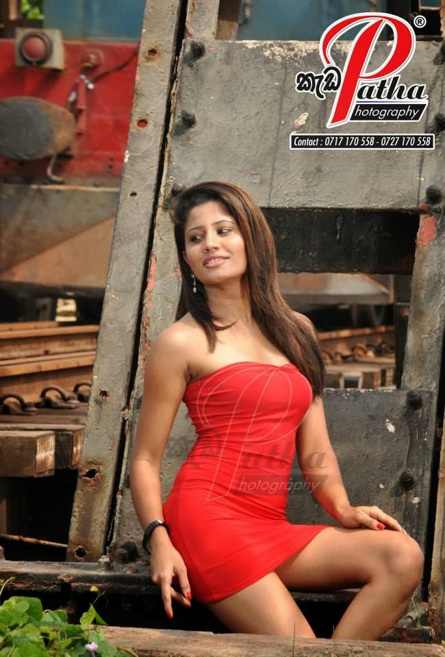 Oshadi Himasha red short dress