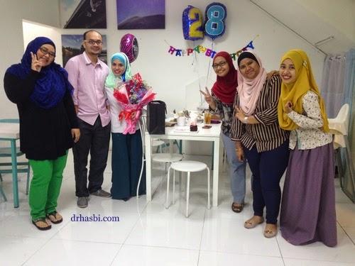 Awesomazing Team bersama Adibah di kedai Cotton Craft Shah Alam