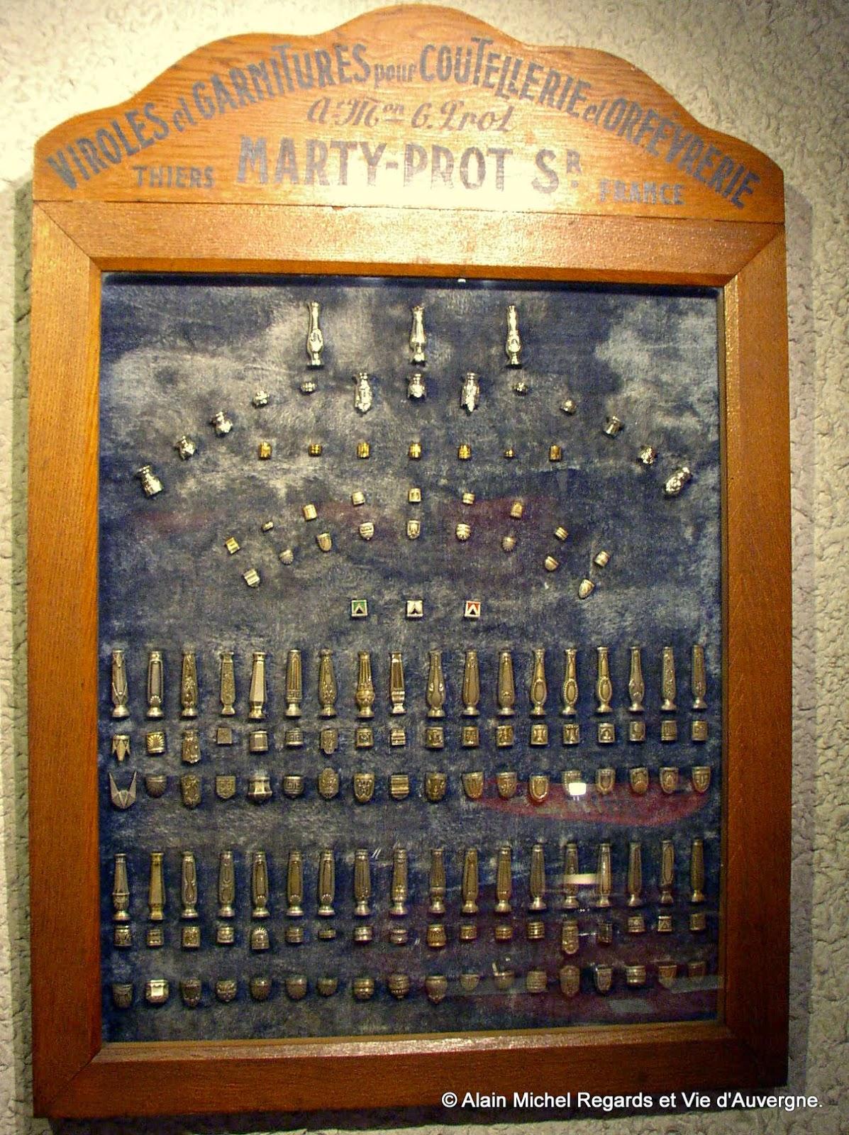 Bagues et viroles de couteaux anciens musée de la coutellerie de Thiers, Puy-de-Dôme.