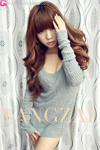 Zhu-Yi-Yin-Grey-Sweater-01-very cute asian girl-girlcute4u.blogspot.com